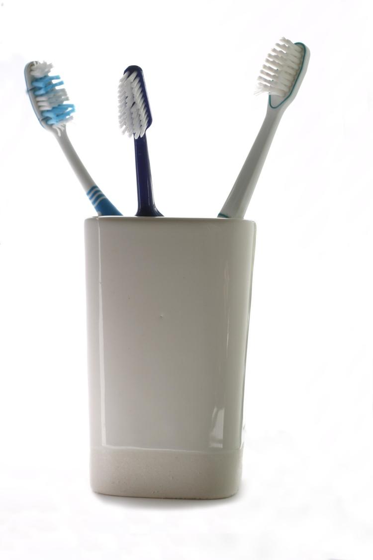 toothbrushes_free.JPG